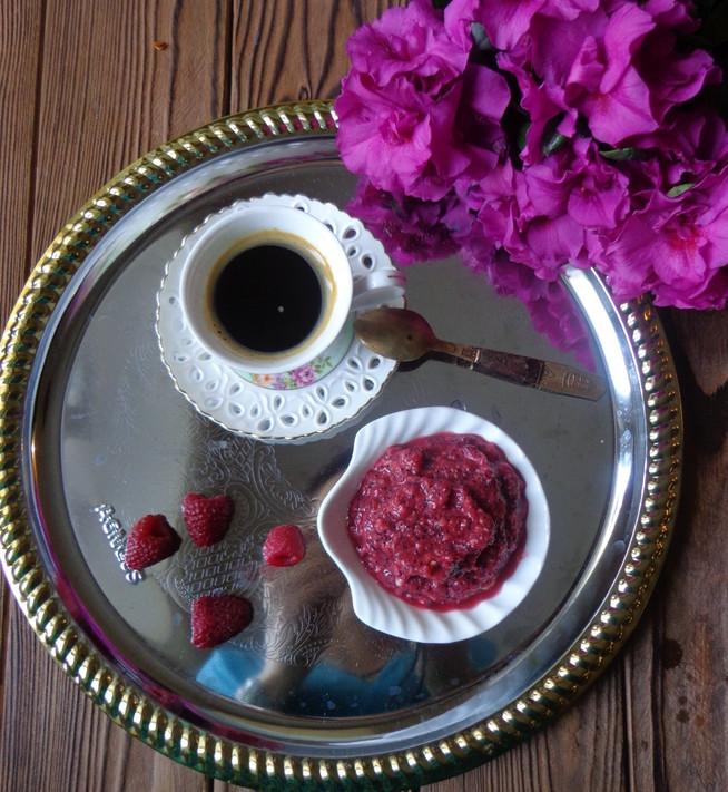 Малиновое смузи и цикорий на завтрак
