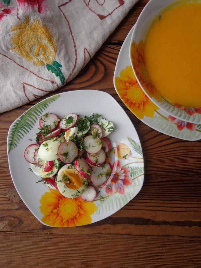 Салат из свежего редиса с зеленью