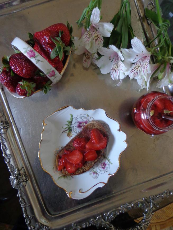 Королевский завтрак из клубники