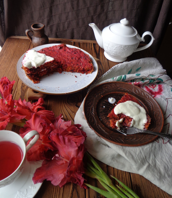 Свекольный пирог со сметаной