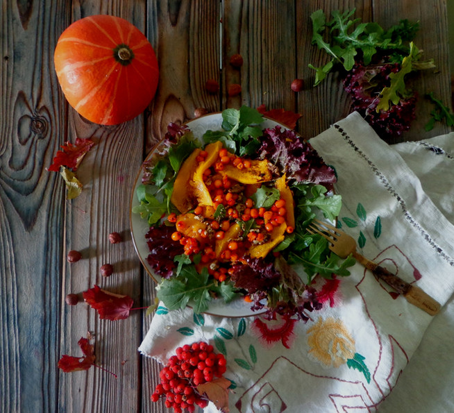 Теплый осенний салат из тыквы