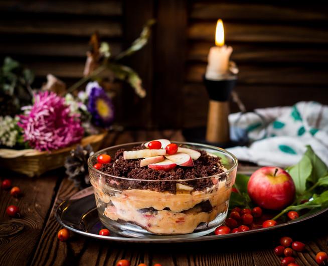 Шоколадный десерт с облепиховым кремом