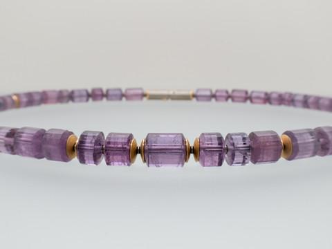 Violetter Turmalin