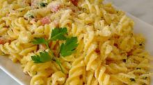 ベーコン入りのクリームパスタ Penne con pancetta e panna