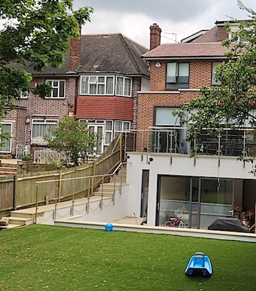 kinloss Gardens, Finchley Central N3