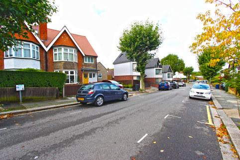 Dollis Park, Finchley Central