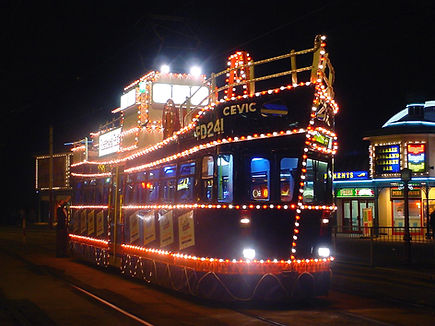 Blackpool_Trawler_Illuminated_Tram - Cop