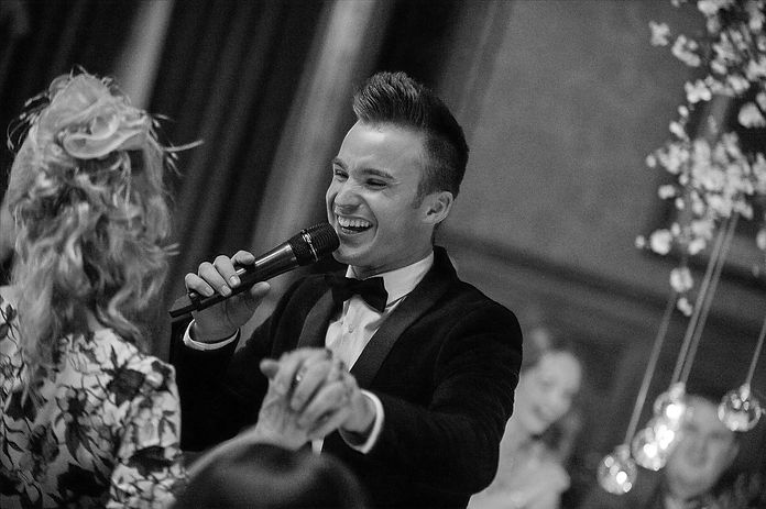 DEAN STANSBY WEDDING PACKAGES NORTH WEST WEDDING SINGER
