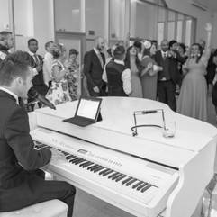 PIANO VOCALIST AND WEDDING SINGER DEAN STANSBY