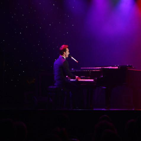 DEAN STANSBY PIANO VOCALISTDEAN STANSBY PIANO VOCALIST
