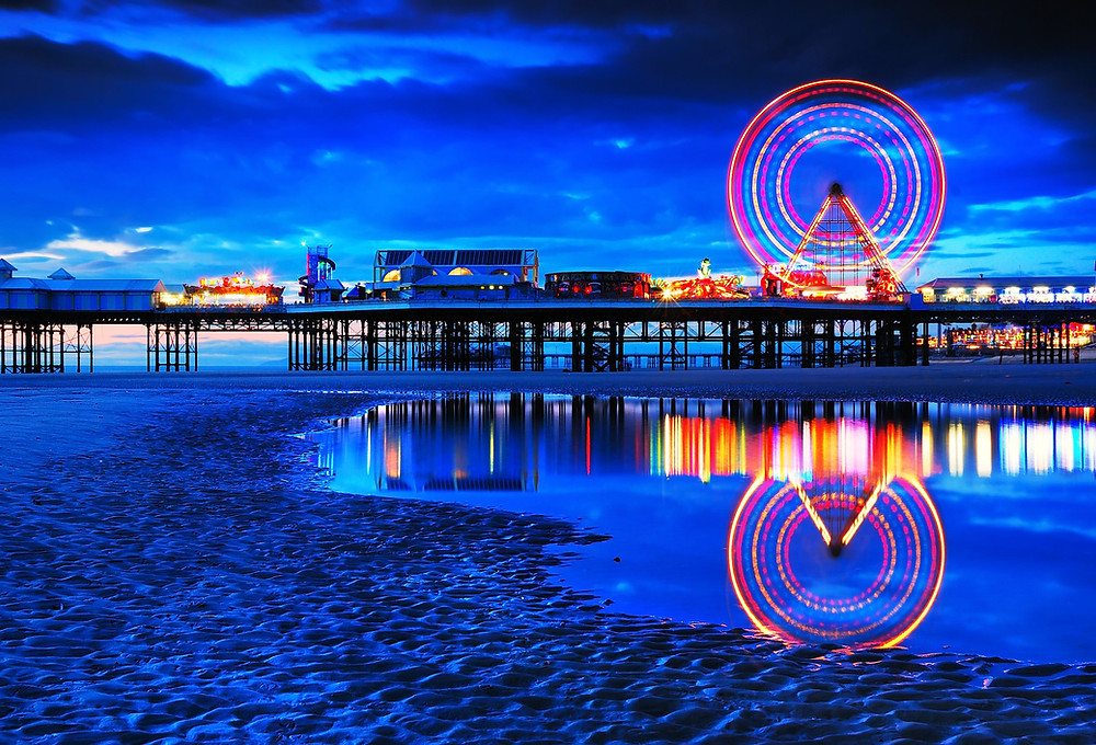 Picture of Blackpool beach and central pier