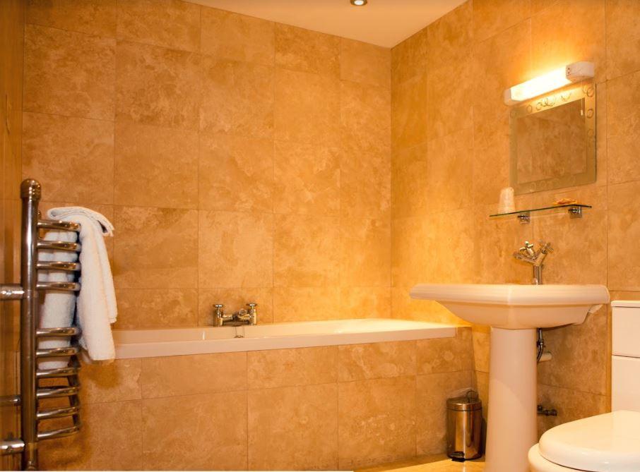 Seabank bathroom(2).JPG