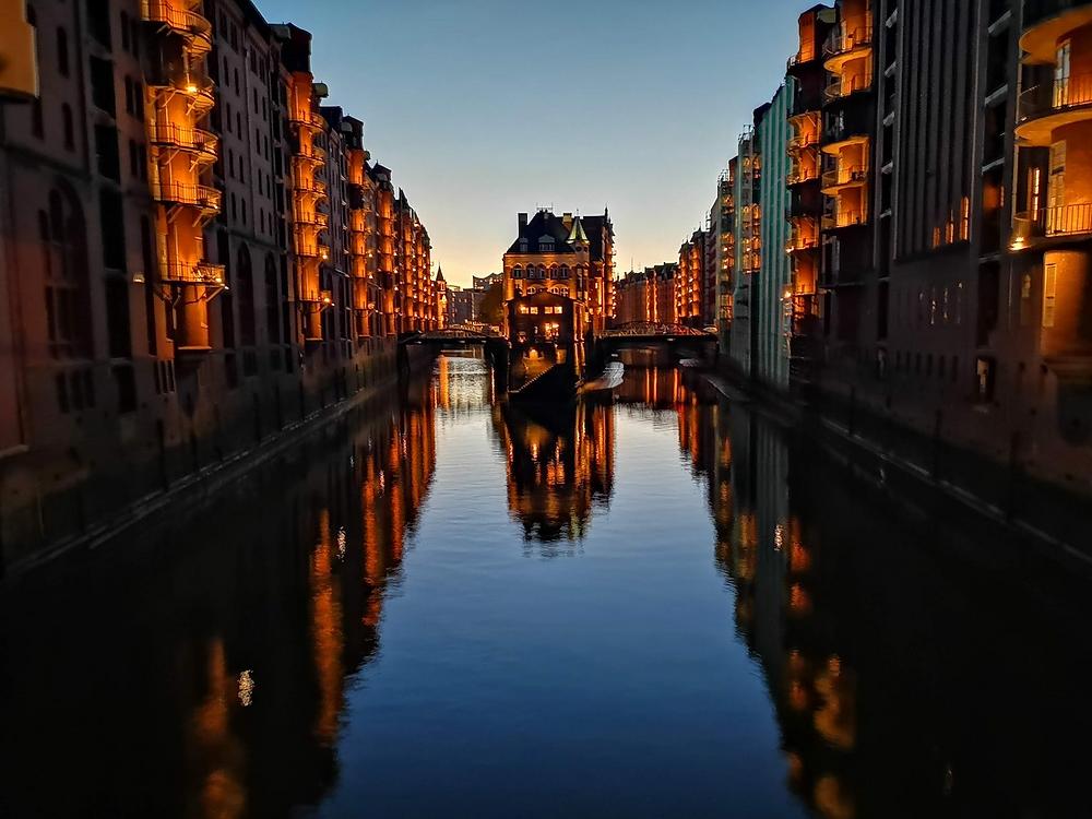 Hamburg bridges tourist spot