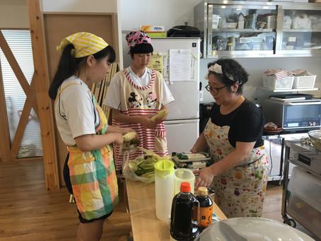 めぐみこども食堂8月        サマーチャレンジボランテイアに感謝!