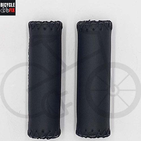 זוג גריפים לאופניים מעור בצבע שחור - https://www.bicyclefix.net/