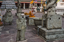 Walk-BKK020114017-faithS.jpg