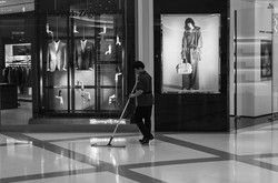 passerby-MarcJacobs_s