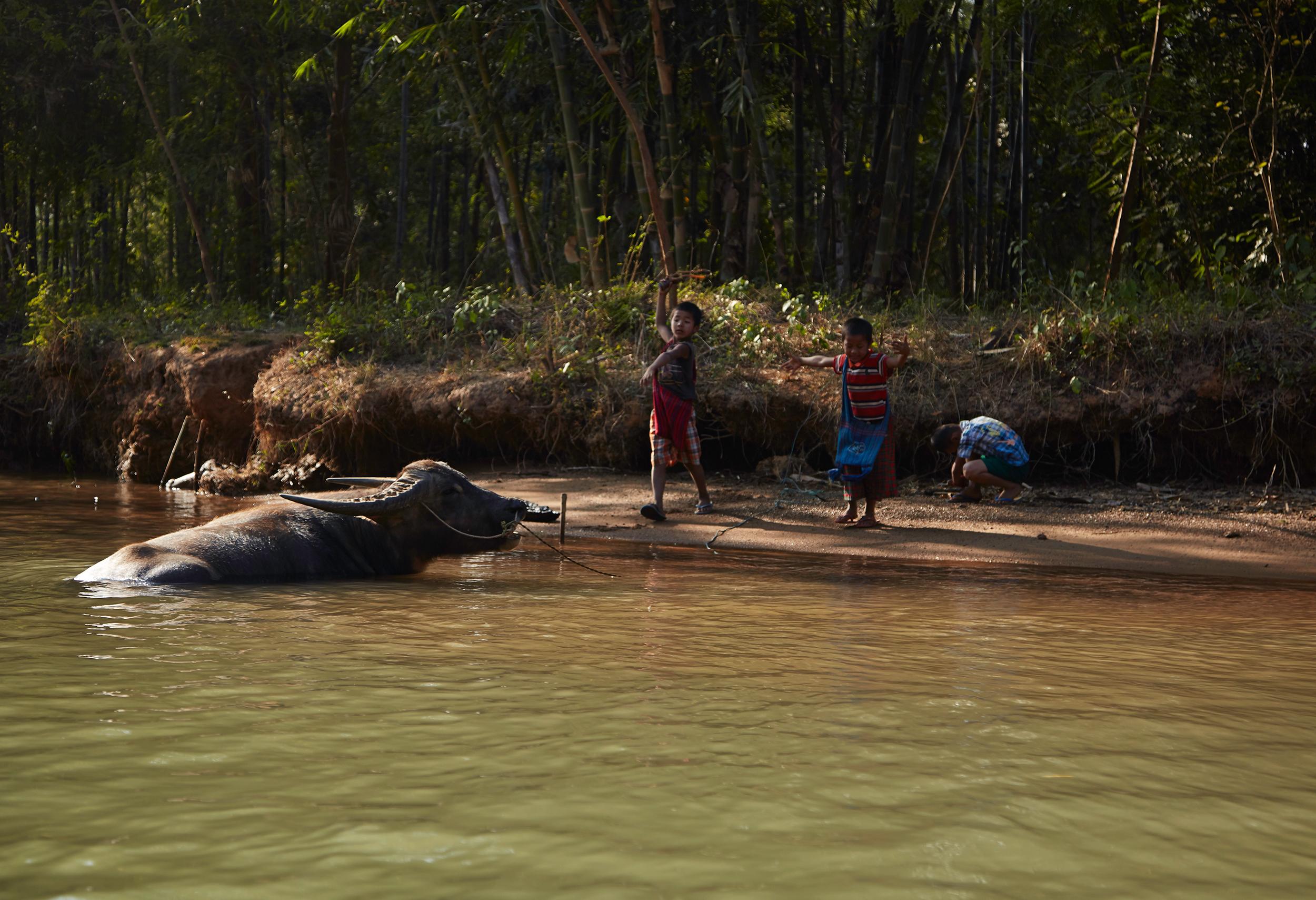 Kanjana-Chaiwatanachai-Image-Works_Mandalay-Riverside-2_2014.01.19_0027w.jpg