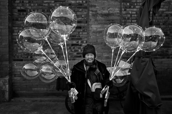 Ballon vendor, Beijing, China