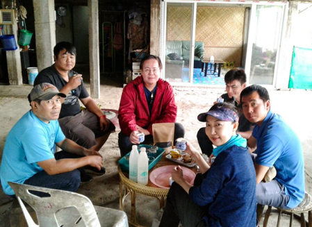 The team that makes the wild heritage tea (from left to right).  Ali an Akha native, Aliang young tea maker, Daniel, Saen Thai-yai native, Sutthirot, Kanjana