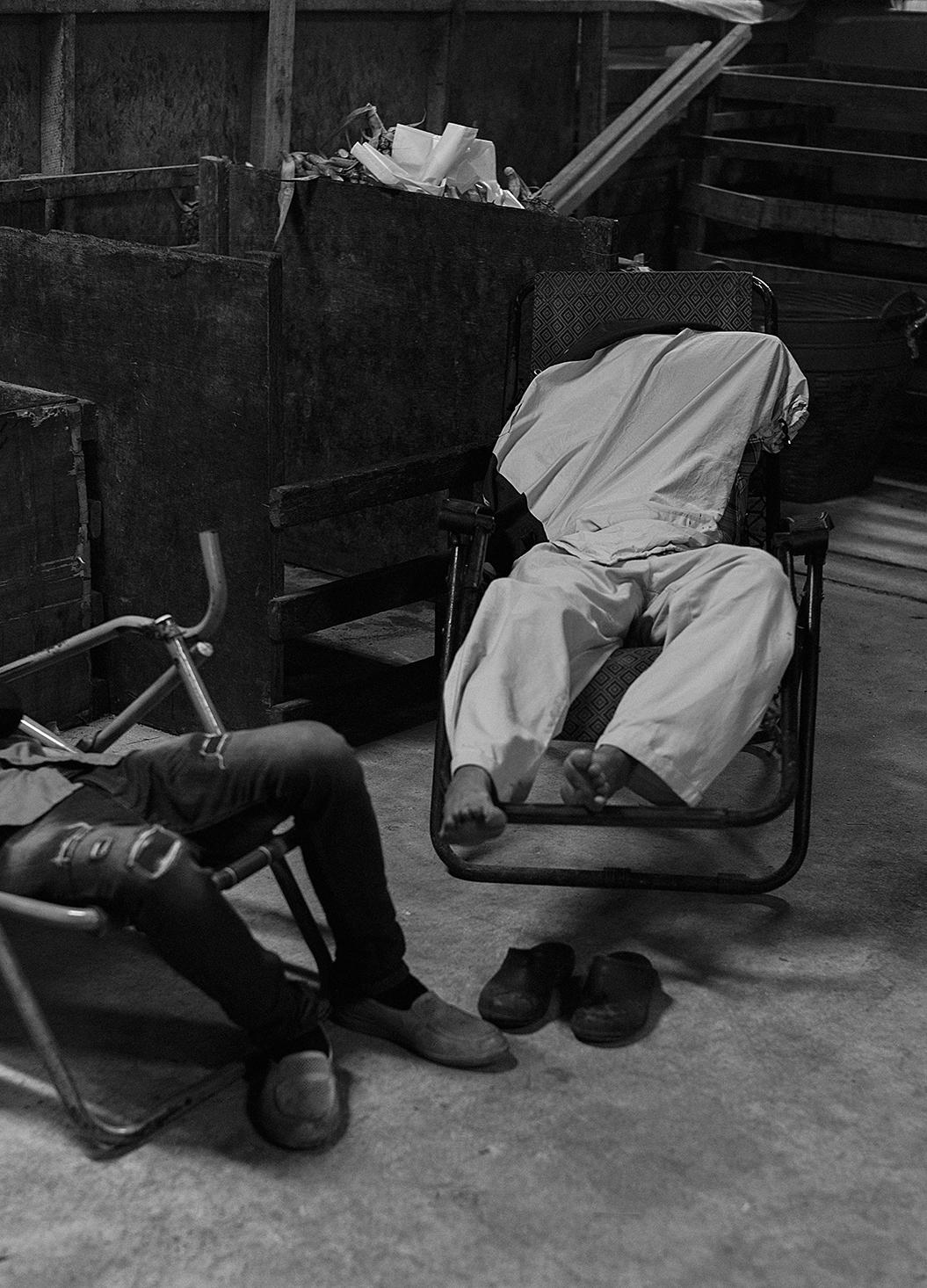 sleep-headless_s.jpg