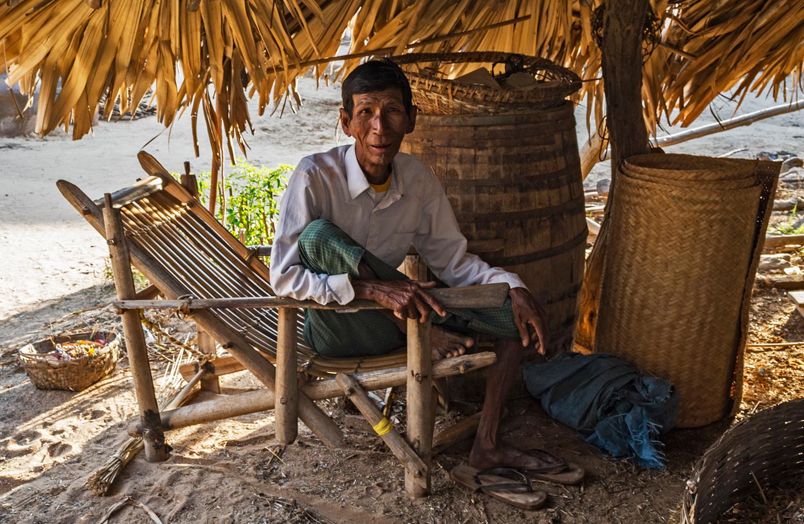 Mandalay-village-life-06_s.jpg