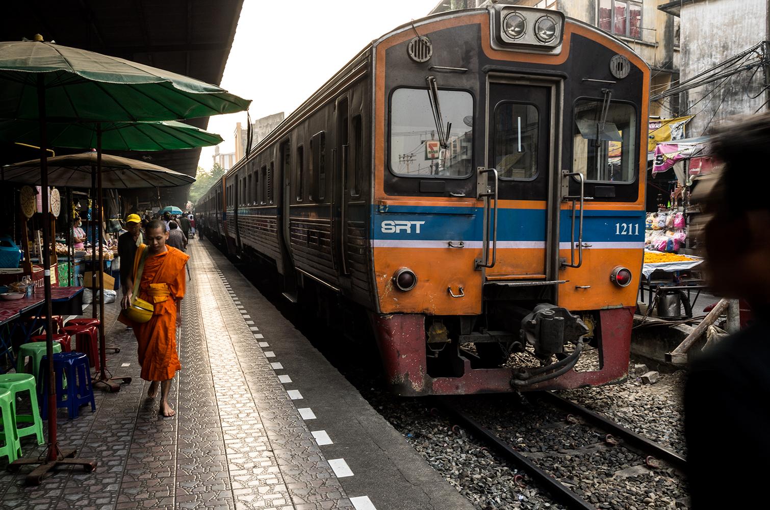train-story3_s.jpg