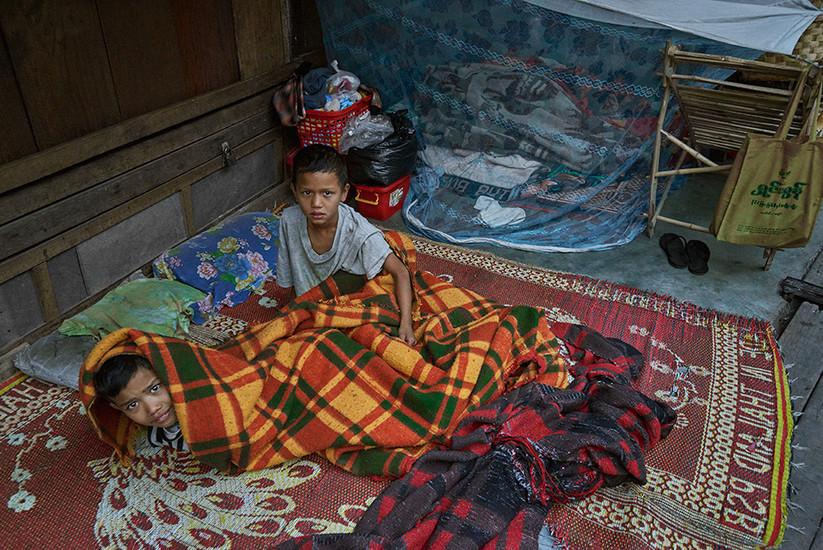 Street boys, Mandalay