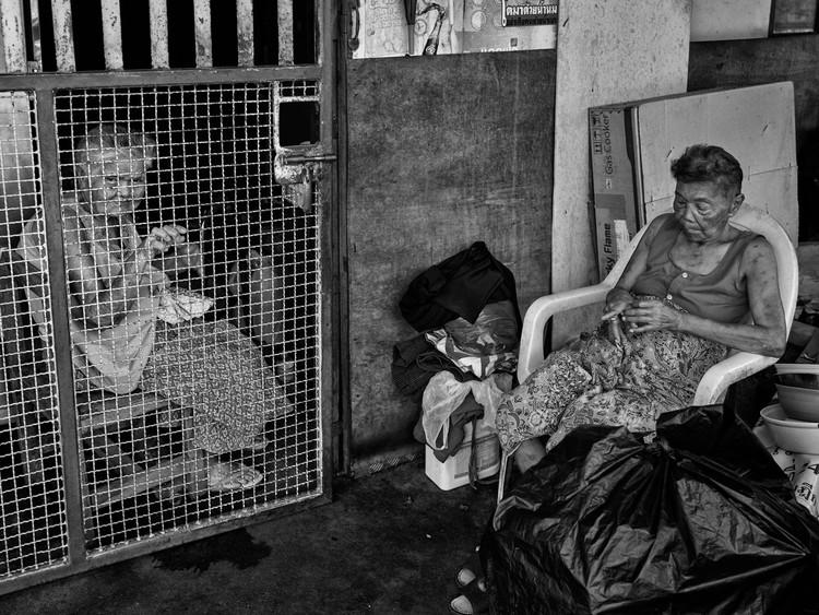 Silent conversation, Makkasan, Bangkok