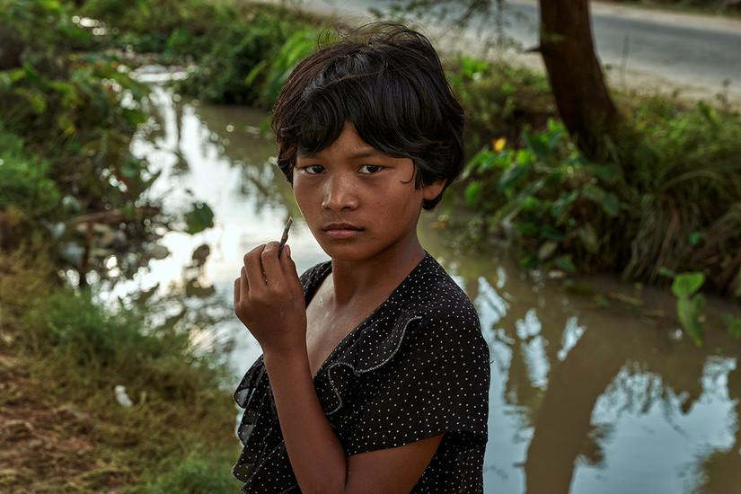Burmese girl, Ohae Phoe Village, Mandalay