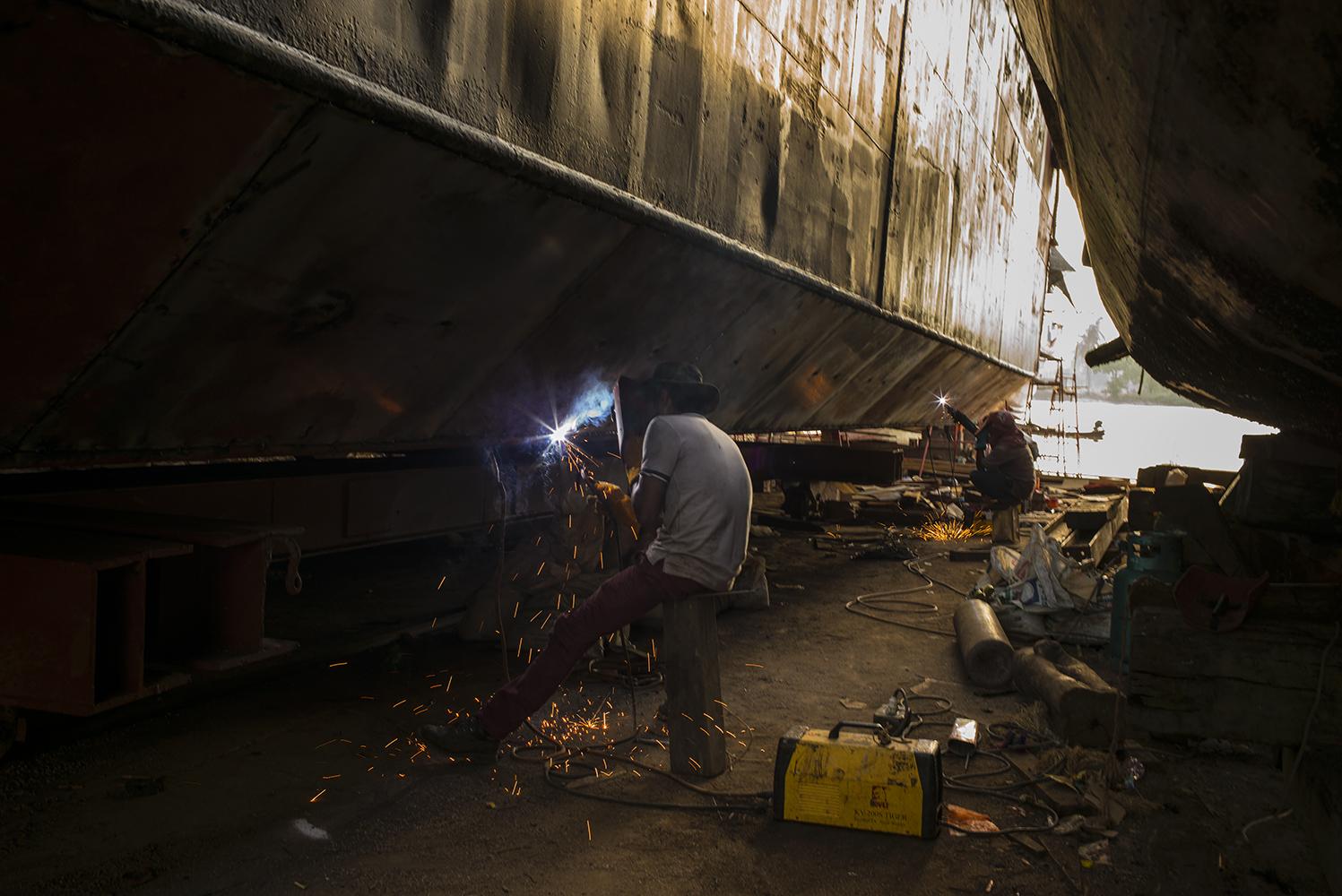 Ship Maintainace Yard01_s