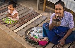 Mandalay-village-life-10_s.jpg