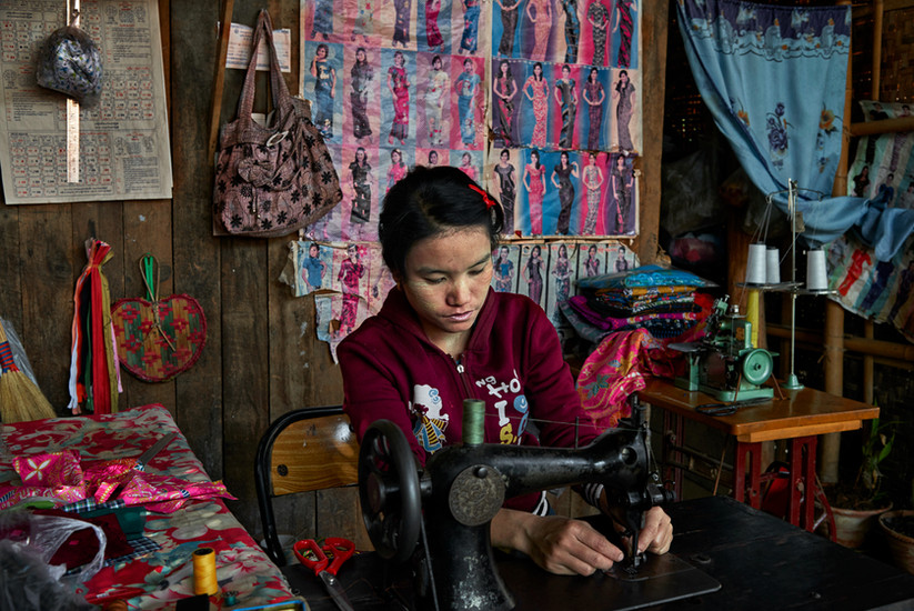 Local tailor, Inle