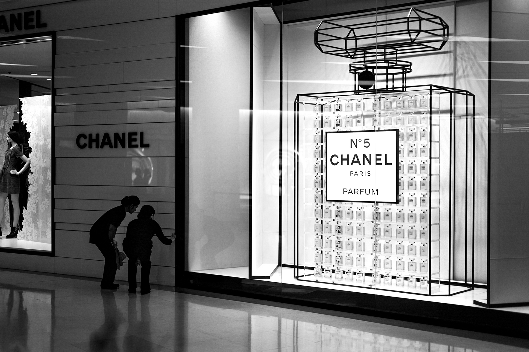 cleaning-chanel-s.jpg