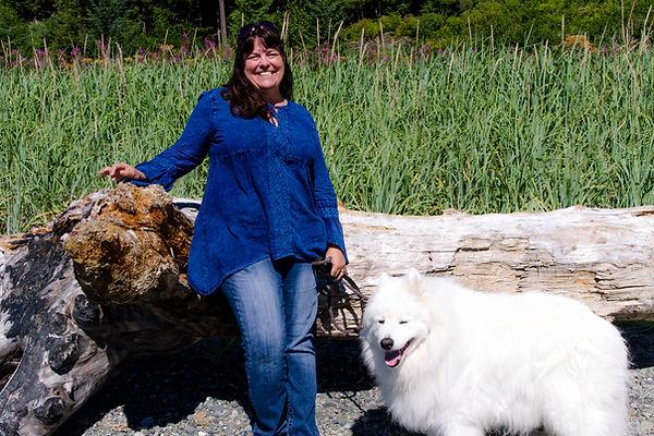 Image of Photographer Laura Dooley and her pal Kodiak in Juneau Alaska