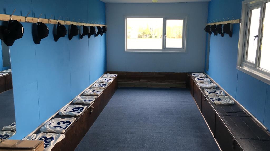 CHANGING ROOMS