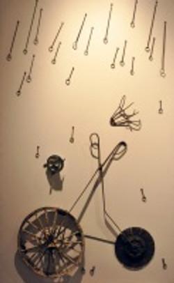 雨中踏單車的女孩 by 葉志明