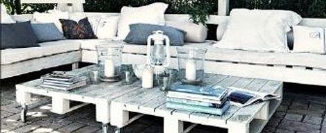 Pallet Furniture - Corner Sofa - Coffee table