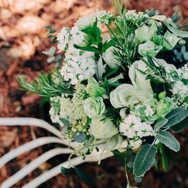 bouquet white green silvery.jpg
