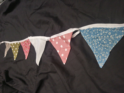 Bunting - Fun mixture of polka dots and floral prints in pastels