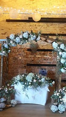 Arch - Wooden - Pergola - 2 x Asymmetric flower sprays