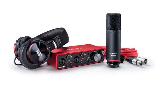 Focusrite SCARLETT-2I2-STU-3G Complete Recording Bundle With Scarlett 2i2 USB Au
