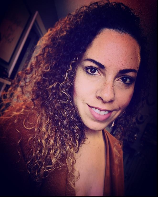 Corinna Nicole