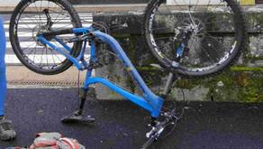 Le vélo à l'envers (l'impact sur les suspensions)