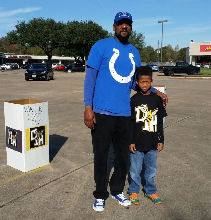 Houston D1 Hornets Dec 5 Coat Drive Pic 6