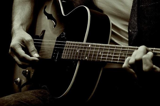 gibson fender martin guitars