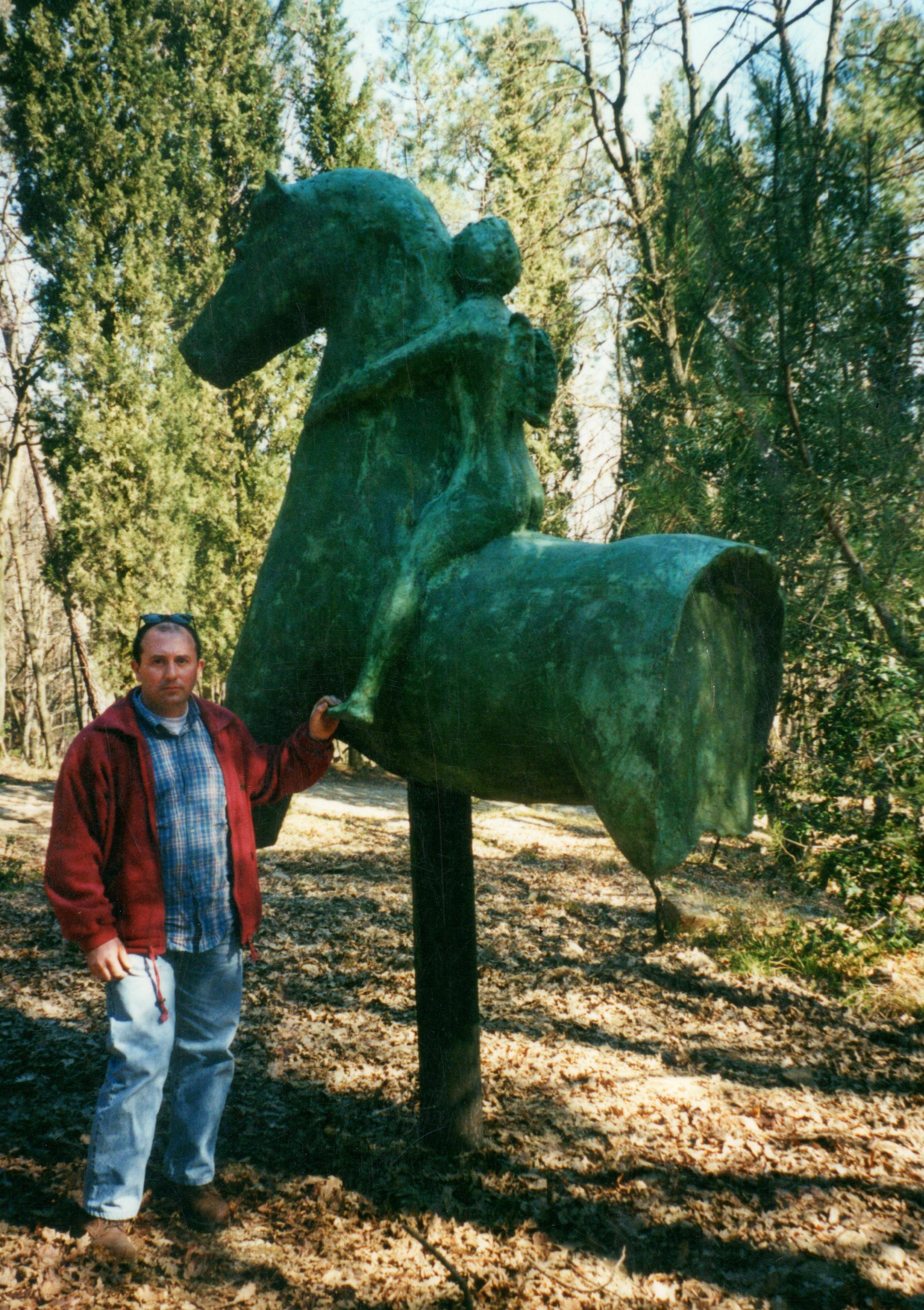 Tronco di cavallo con angelo