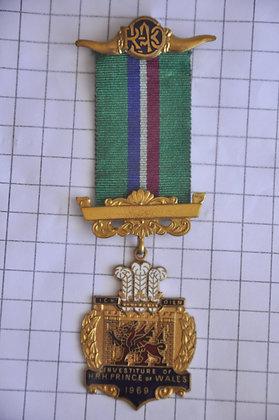R.A.O.B 1969 / ICH DIEN / 5x14 cm