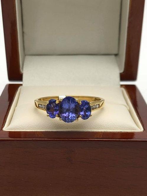 18ct Tanzanite Ring
