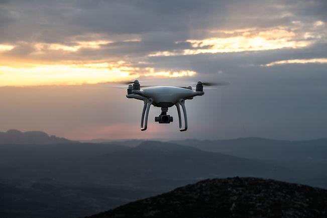 drone-1868870_1920.jpg